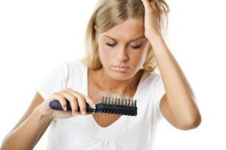 consigli per bloccare la caduta dei capelli